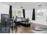 Fantastic, modern 2 bedroom flat with resident gym and parking available December – NO FEES