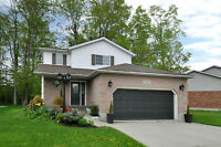 AMAZING HOME JUST FEW MINUTES FROM KITCHENER