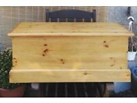 Solid pine storage/chest /toy box ex condition