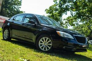 2011 Chrysler 200 Touring 109km- ( BLOW OUT SALE )