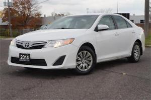 2014 Toyota Camry LE BackUp Camera *Low KM* No Accident.