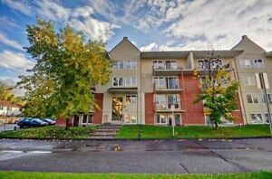 Location! 5 min from Ottawa, across from beach and bike path