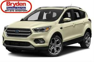 2017 Ford Escape Titanium / 2.0L I4 / Auto / 4x4 **Loaded**