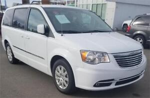 2016 Chrysler Town & Country Touring STOWNGO/B/UCAM/POWER DOORS