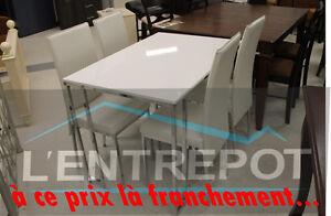 Petit ensemble table et 4 chaises BOUM LE PRIX CANON