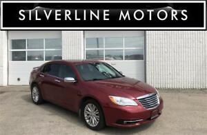 2012 CHRYSLER 200 LIMITED, V6, LEATHER, BLUETOOTH, HTD SEATS!