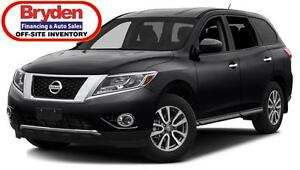 2016 Nissan Pathfinder SV / 3.5L v6 / Auto / 4x4 **Tough!!**