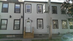 2 LEVEL 1 BEDROOM TOWNHOUSE IN CENTRAL HALIFAX!