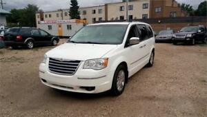 2008 Chrysler Town & Country Limited-Fully Loaded-Free Warranty!