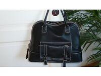 Handtasche Kellybag schwarz echtes Leder neuwertig Nordrhein-Westfalen - Much Vorschau