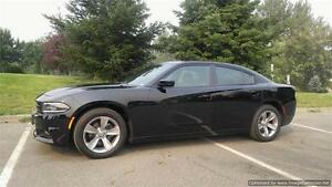 2016 Dodge Charger SXT {One Owner} Factory Warranty! ONLY 15K km