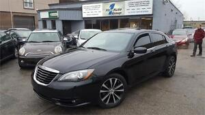 2012Chrysler 200 S w/NAVIGATION, LEATHER, BLUETOOTH