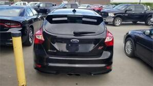 "2013 Ford Focus ST ""BLACK BEAUTY"" FAST SPORTY BEAUTIFUL!!"