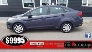 2013 FORD FIESTA SE - Sport appearance package, moonroof.
