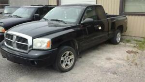 2005 Dodge Dakota SLT 4x4 runs and drives as.is deal