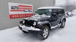 2010 Jeep Wrangler Unlimited Sahara -- GARANTIE 1 AN / 15 000 KM