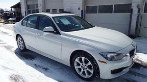 2013 BMW 3 Series 328i xDrive /NO ACCIDENT/AUTO/ALLOY/SUNROOF