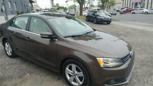 2011 Volkswagen Jetta Sedan Highline 5,SPEED MANUEL FINANCING AV