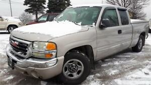 2004 GMC New Sierra 1500, 4 Doors, V8 4.8L, Trailer Hitch, AC!