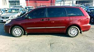 2005 Toyota Sienna CE / ONLY 148K / ACCIDENT FREE !!!