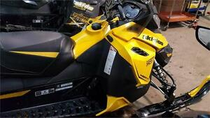 2014 SKIDOO TNT 800R IN VERY CLEAN CONDITION 4500 MILES
