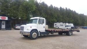 1994 Freightliner FL80 29 ft. Flat bed Hydraulic Beaver Tail