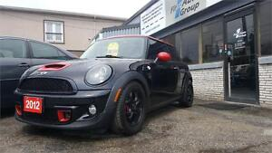2012 Mini Cooper Classic  PAN-ROOF,  LEATHER, BLUETOOTH