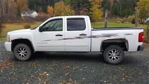 2007 SILVERADO 4X4 1500 CREW CAB SHORT BOX *CLEAN* $12,900 OBO