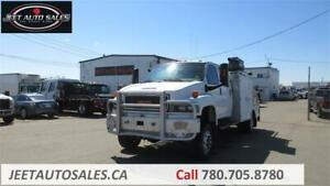 2006 GMC TC5500 Service Truck with 4404 Auto Crane