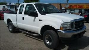 2004 Ford F250 XLT 4x4, 4 doors, trailer hitch, ONLY 158000KM!