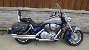 2002 Honda VTX 1800R $5500.00+HST,License+Fuel,Certified
