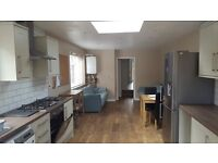 A modern six bedroom property located in the Cowley area- SHORT LET