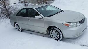 Toyota Camry2004 Super Propre.  tres Bon millage