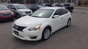2015 Nissan Altima 2.5 clean car proof one owner
