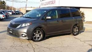 2011 TOYOTA SIENNA SE 8 PASSENGER SUNROOF WINTER AND SUMMER TIRE