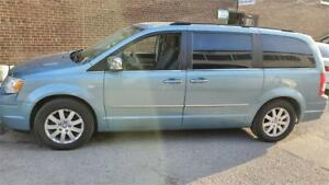 2010 Chrysler Town & Country Touring fully loaded 416 271 9996