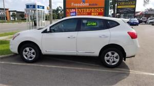 2012 NISSAN ROGUE WITH ONLY 103000KMS..PEARL WHITE