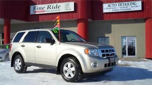2011 Ford Escape XLT FWD **ONLY 100,000kms! BLUETOOTH**