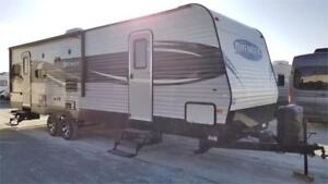 Used 2017  Travel Trailer 2 Recliner Chairs!