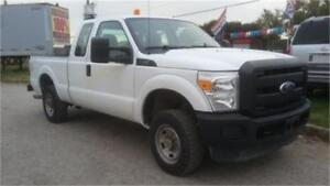 2011 Ford F250 4x4 XL, 4 doors, Tow package, Back Rack, Tool Box