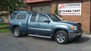 2011 GMC Sierra 1500 SLE Ext Cab Z71 4X4 - Looks Great & Loaded
