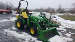 2015 JOHN DEERE 2025R TRACTOR WITH LOADER