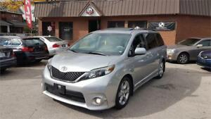 2013 Toyota Sienna SE in mint condition with dvd back up camera