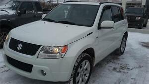 2010 Suzuki Grand Vitara Limited 3.2L 4WD  ONE YEAR FREE WARRATY
