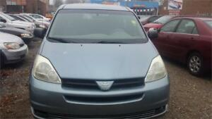 2004 TOYOTA SIENNA AUTO AIR 7 SEATER WITH SAFETY