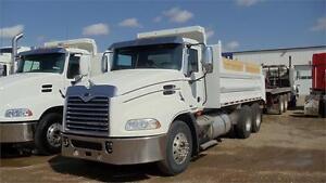 Mack CXU613 gravel truck