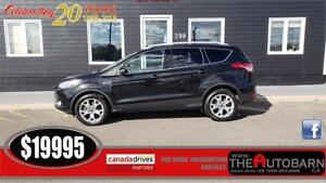 2015 FORD ESCAPE TITANIUM - PANORAMIC POWER ROOF, NAV,  LEATHER