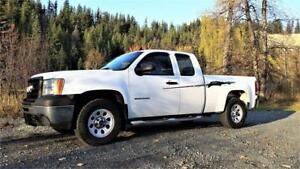 2012 GMC Sierra 1500 4X4 Short Box, Auto,