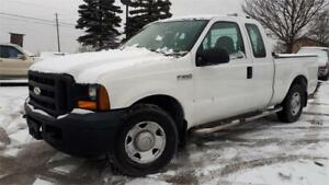 2006 ford F-250 SUPER DUTY XL, 4 Doors, Box cover, Easy Loader!