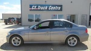 2009 BMW 3 Series 328i 3.0L 1 owner Low Kms